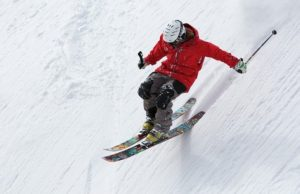 skiing with knee pain